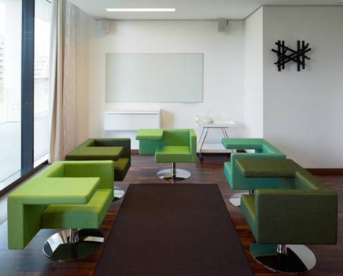 Meeting_room_conference_room_breakout_room_wolverine_armchairs_2